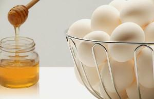 Маска для волос с яйцом и мёдом