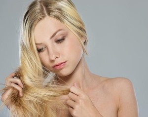 Почему очень сильно выпадают волосы