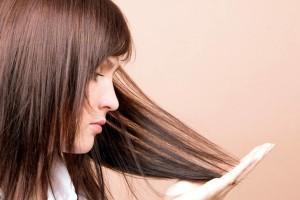 Сухие волосы – одна из причин облысения
