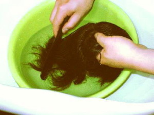 Мытье искусственных волос
